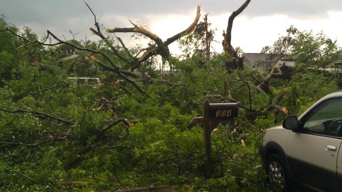 IMAG2538 april 27 front yard Tanya Mikulas Tuscaloosa tornado 2011