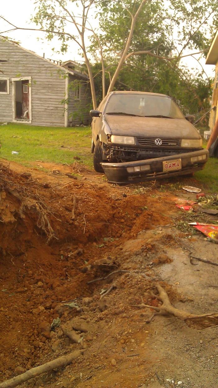 IMAG2854 passat may 1 Tanya Mikulas Tuscaloosa tornado 2011.jpg