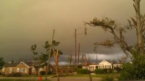 IMAG2934 storm coming may 3 Tanya Mikulas Tuscaloosa tornado 2011