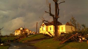 IMAG2995 rainbow may 3 Tanya Mikulas Tuscaloosa tornado 2011