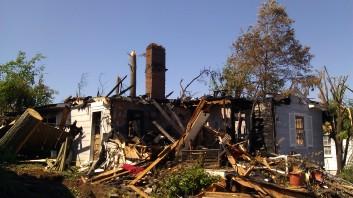 IMAG3045 fire may 4 Tanya Mikulas Tuscaloosa tornado 2011