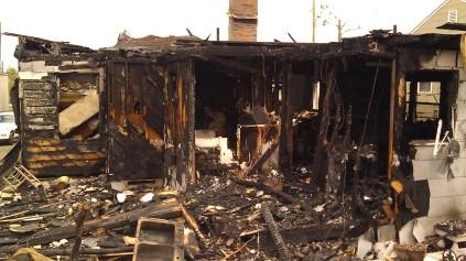 IMAG3482 fire may 14 Tanya Mikulas Tuscaloosa tornado 2011