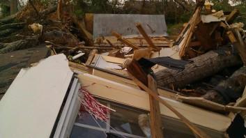 IMAG3681 roll tide may 21 Tanya Mikulas Tuscaloosa tornado 2011